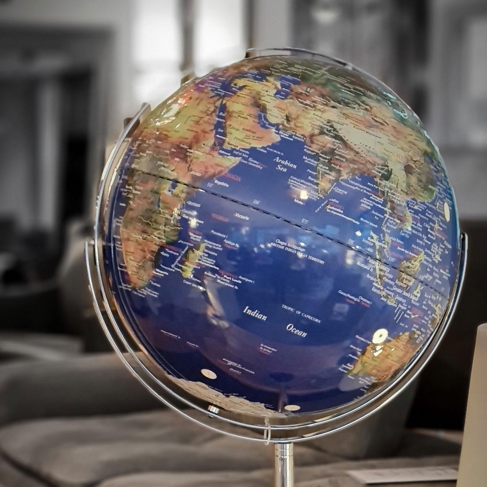 Globe 08 2